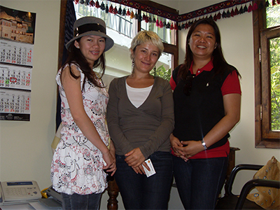 Hulya, Glenna and Melona in Jasminne Tour office